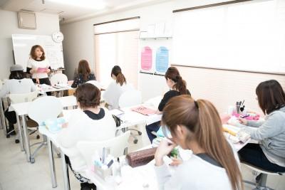 春から始めよう!憧れのネイリストになる!大阪のネイルスクールのカリキュラムが充実!
