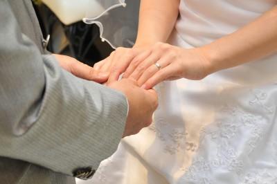 世界で1番美しい日のお手伝い!今時、花嫁様のブライダルネイルは短い爪でも出来ますか?