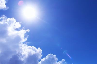 日焼け止めだけで紫外線対策はNG!夏の保湿ケアが大切!!